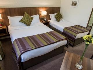 Arklow Bay Hotel family bedroom
