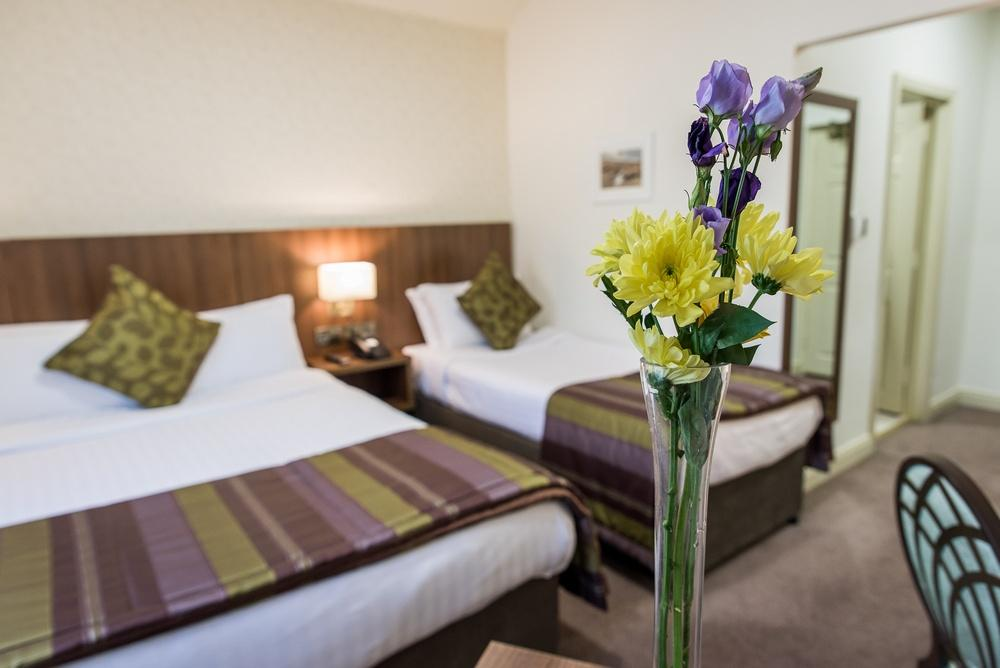 Arklow Bay Hotel twin bedroom accommodation